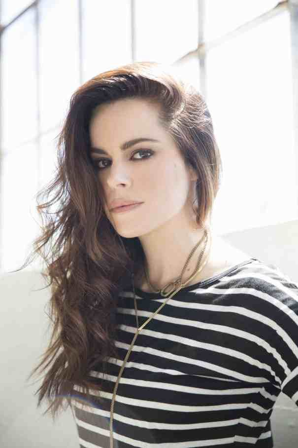 Emily Hampshire To Star In Indie 'Never Saw It Coming'
