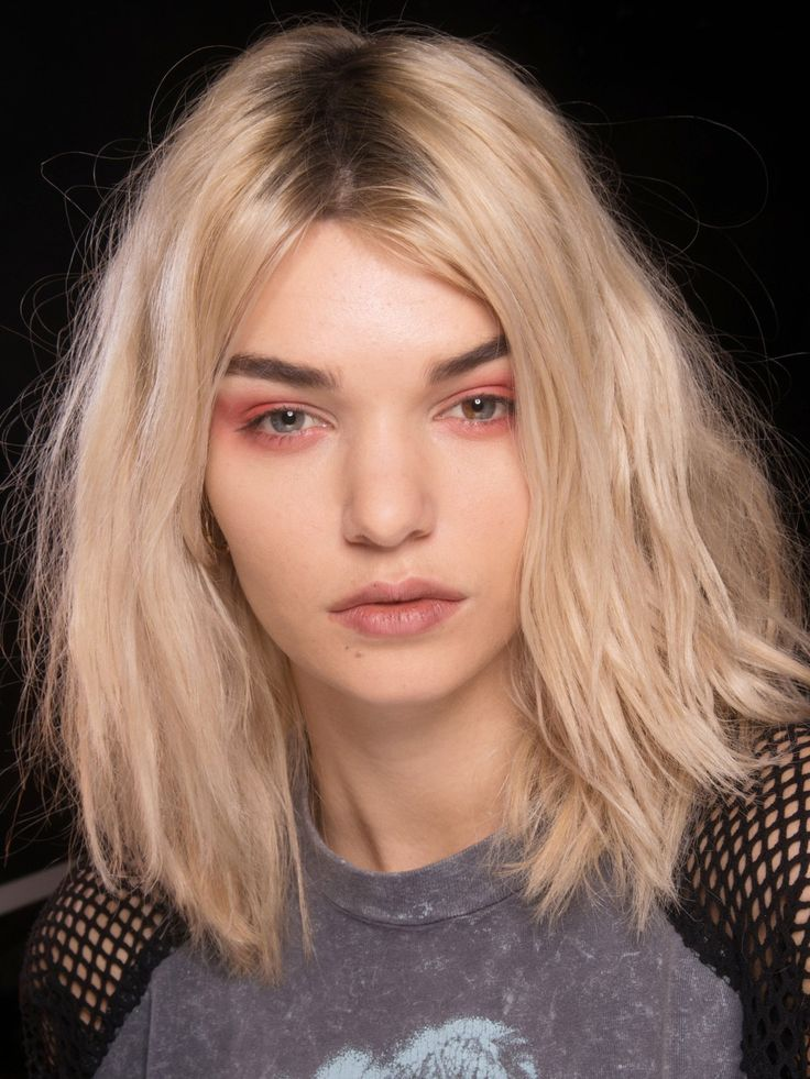 Haare halblang mittelscheitel