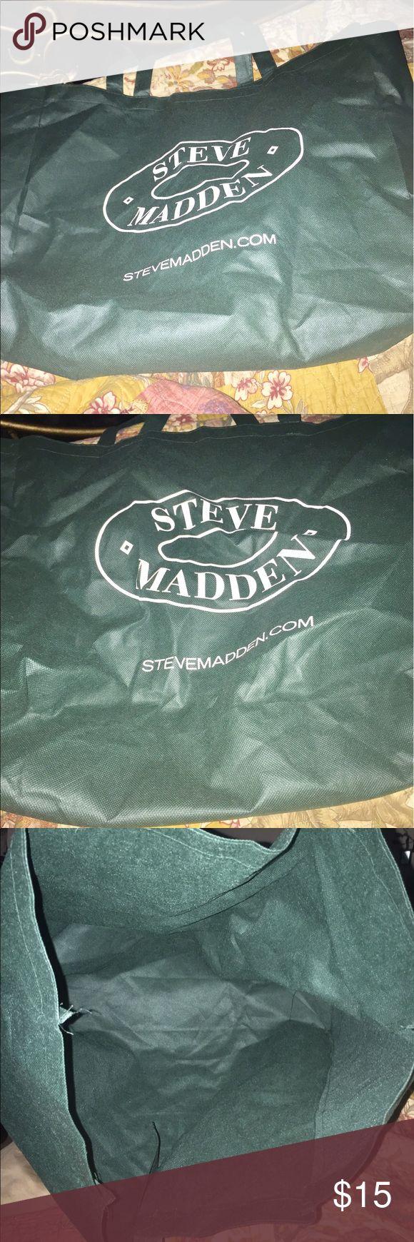 Steve Madden huge green tote bag. Steve Madden huge green tote bag. Fabric/cloth material. Great for shopping, the park or beach. Do not overload. Material is lightweight. Steve Madden Bags Totes