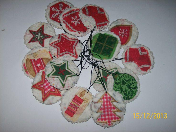 globuri pe suport carton decorate cu tehnica servetelului si structura zapada