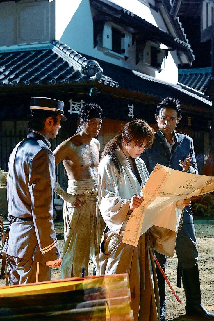 Sanosuke Sagara, Takeru Satoh as Kenshin Himura, Saito Hajime. Rurouni Kenshin: Kyoto Inferno.