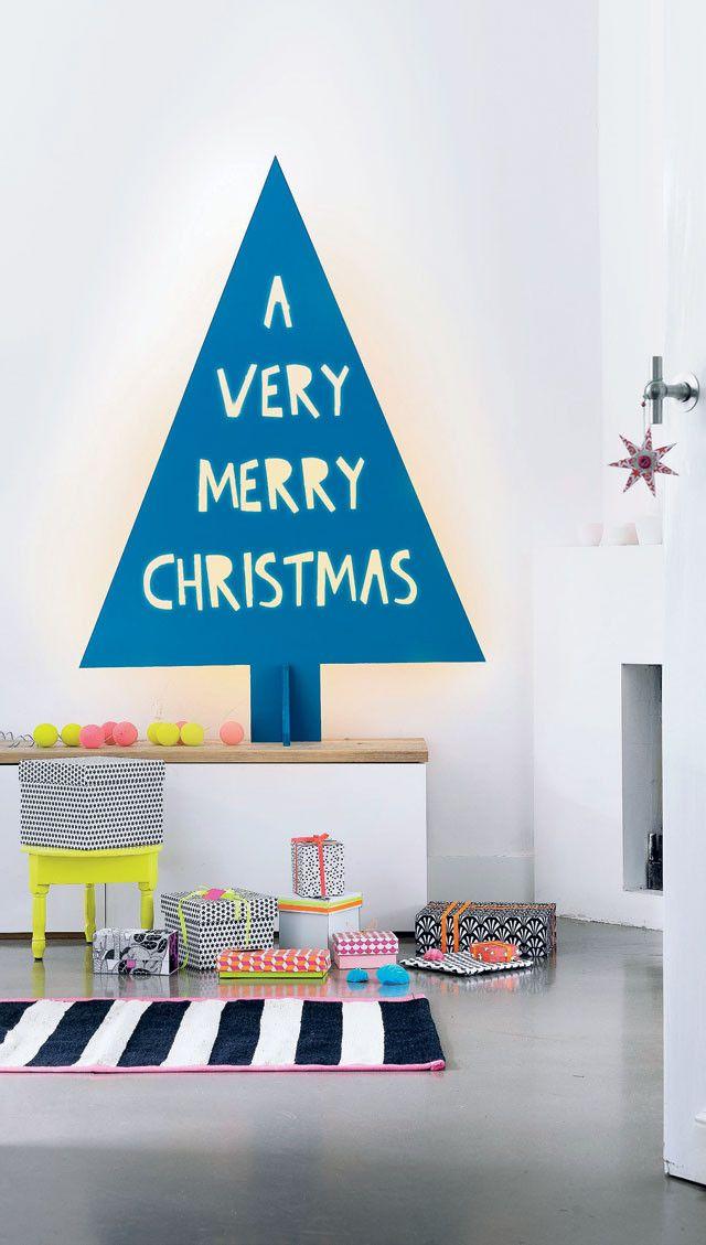 DIY Wooden Christmastree - Zelfmaakidee: Houten kerstboom 101 Woonideeën Kijk op www.101woonideeen.nl #tutorial #howto #holidayseason #christmas #DIY #decoration #christmastree #xmas #kerst #stappenplan #handleiding #zelfmaken #kerstboom