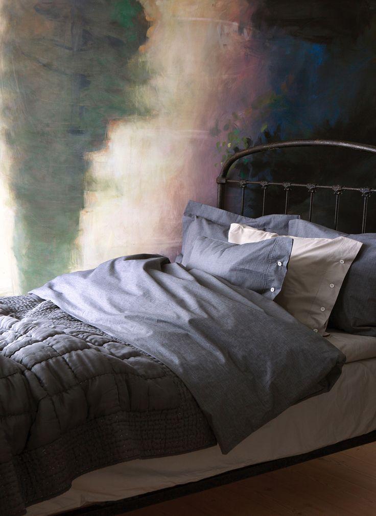 HIMLA Drottningholm bed linen Night and Light Cinder, Delia bedspread Antracite