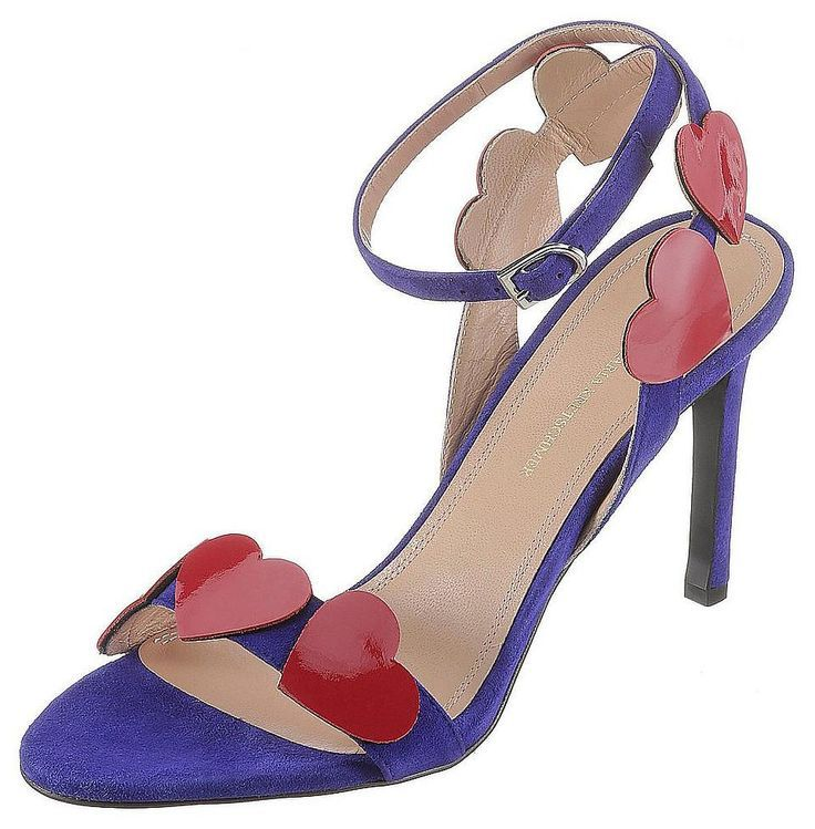Sandalette panosundaki Pin