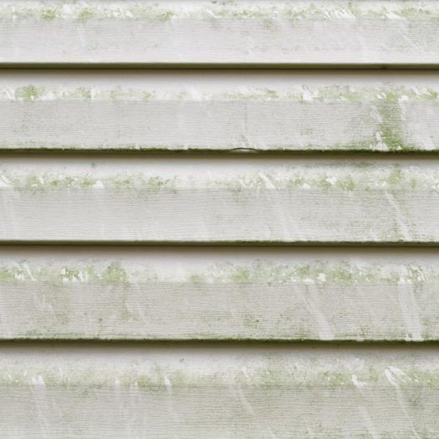 how to use bleach to clean vinyl siding