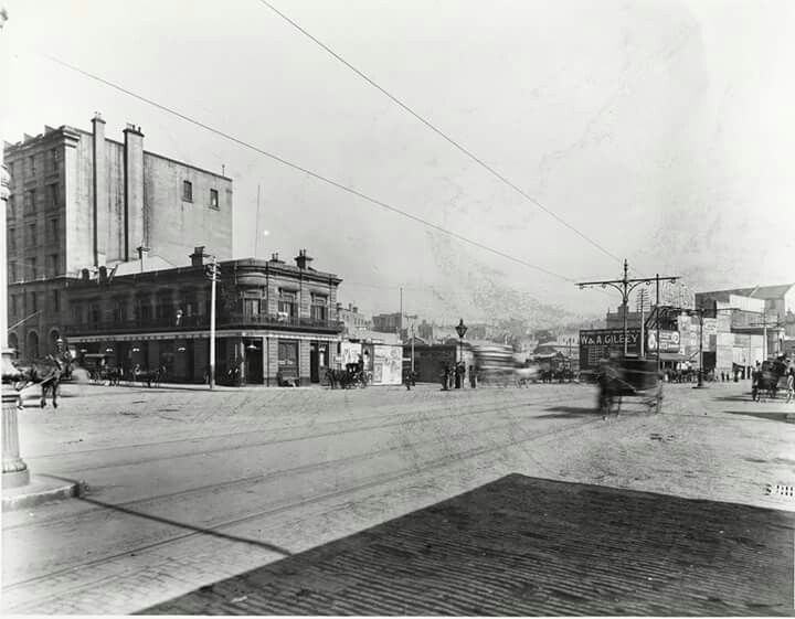 Alfred St at Circular Quay,Sydney in c.a.1905.The Paragon Hotel is on the left. State Records NSW.