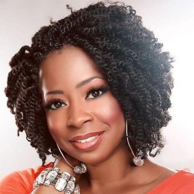 """Derfrisuren.top 50 abgehende Kinky Twists Ideen für afroamerikanische Frauen   Unter den afrikanischen Frisuren gehören Kinky Twists zu den beliebtesten in der Community. Im Allgemeinen wird dieser Stil für Mädchen und Frauen mit lockigem oder """"kinky"""" Haar empfohlen, daher der Name. Mehr noch, es..."""", """"pinner"""":.. zu wird unter und twists Stil pinner oder noch mit Mehr madchen lockigem kinky im ideen Haar gehören für frisuren frauen es empfohlen dieser Der den daher Community beliebtesten Allgemeinen afroamerikanische afrikanischen abgehende"""