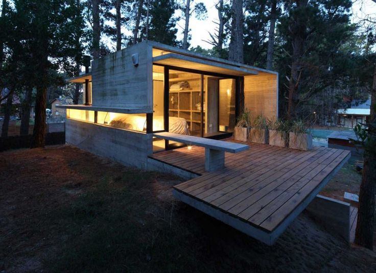 Modern Concrete Home Entry Side Architecture Design