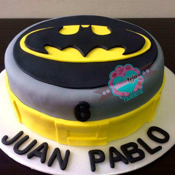 Torta Batman Realiza tu pedido por; https://goo.gl/mvYBYv WhatsApp: 3058556189, fijo 8374484  correo info@amaleju.com.co Síguenos en Twitter: @amaleju / Instagram: AmaLeju #batman #torta #superheroes