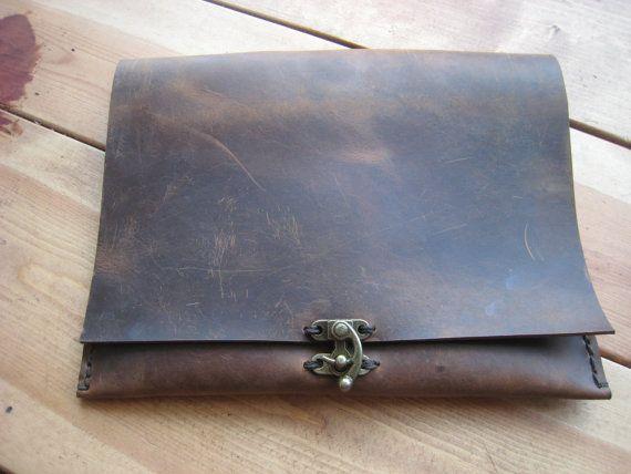 New IPad leather case cover envelope rustic handstitched by Aixa Sobin on Etsy: Handbags Fashion, Leather Ipad, Ipad Cases, Brown Leather, Distressed Ipad, Leather Clutches, Clutches Bags, Handmade Leather, Sobin Handbags