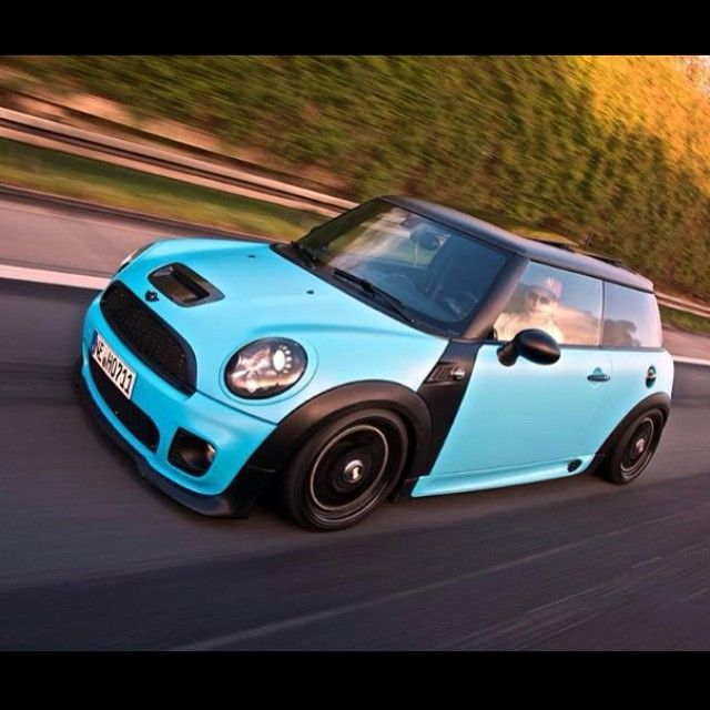 217 best mini images on pinterest cars mini coopers and for Garage cros agde