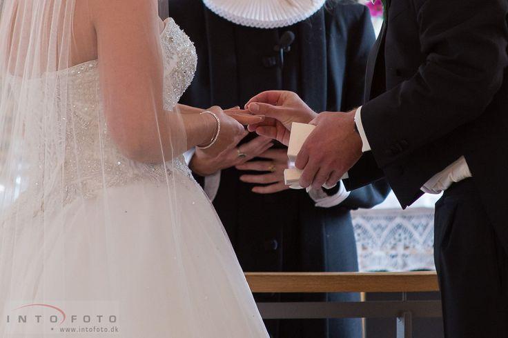 #Bryllup #Wedding #Bryllupsfotograf #Intofoto #Bryllupsfoto #Bryllupsfotografering #Hillerød #Nordsjælland #Brudepar #Vielse #Vielsesring
