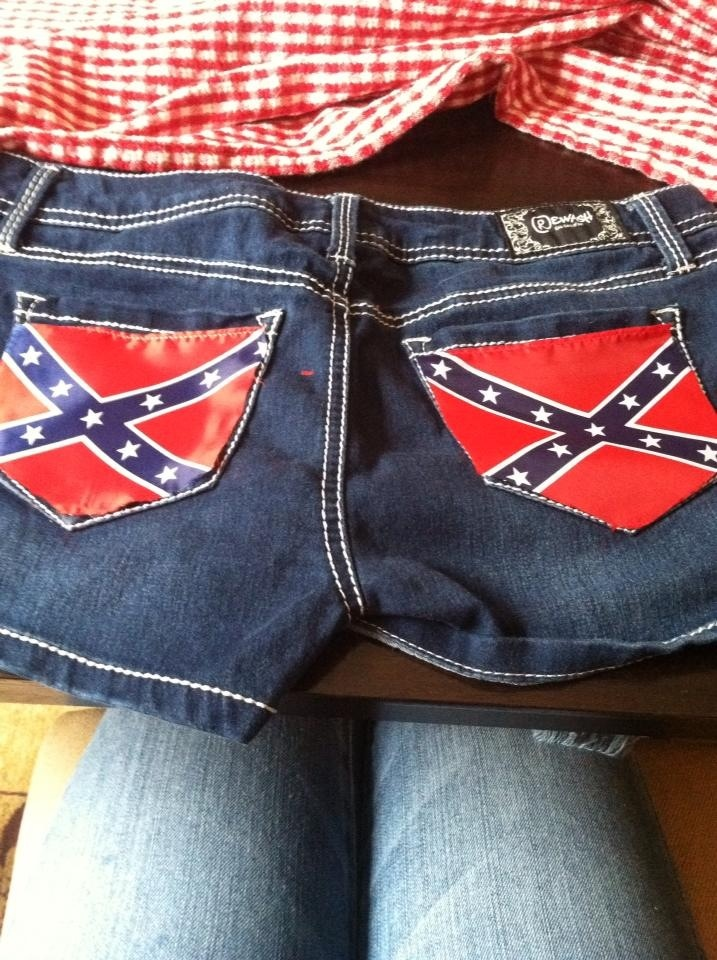 Redneck country fashion! #can't beat those #pockets!  For more Cute n' Country visit:  www.cutencountry.com and www.facebook.com/cuteandcountry