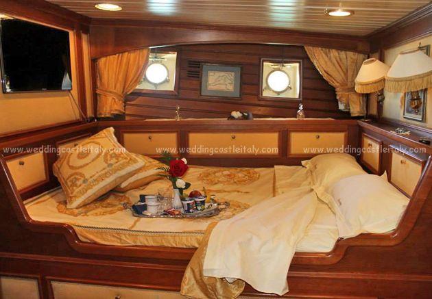#wedding #Italy on a boat   http://www.weddingcastleitaly.com/boatwedding_italy.html