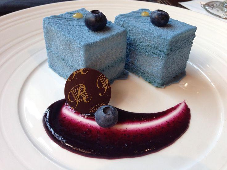 Blue Velvet Cake I had at The Rimrock Resort Hotel in Banff [OC] [3264x2448]