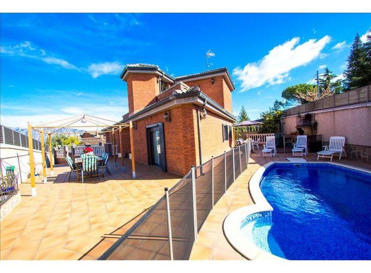 Estás listo para un viaje de vacacional maravillosas en España? Cataluña Casas ofrece en alquiler Villa con piscina privada en la Costa Dorada, Costa Brava y Barcelona.Reserve su casa o Villa para vacaciones ahora @ http://www.catalunyacasas.es/