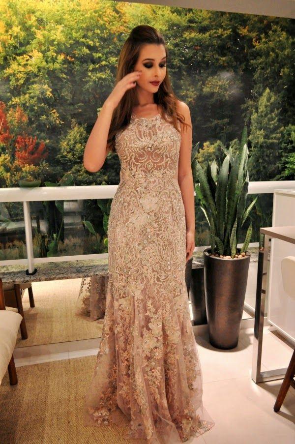 Oi meninas!  Vi alguns vestidos no blog da Maiosn Bais e achei tão lindos que não poderia deixar de (re) postar para vocês. São vestidos das...