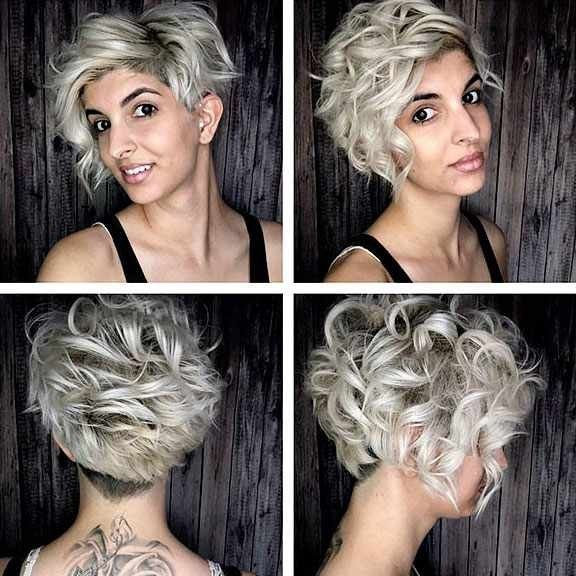 20 Beliebte Kurze Lockige Ideen Beliebte Ideen Kurze Lockige Kurzehaare Kurze Haare Loc Kurzes Lockiges Haar Lockige Haare Stylen Lockige Haare