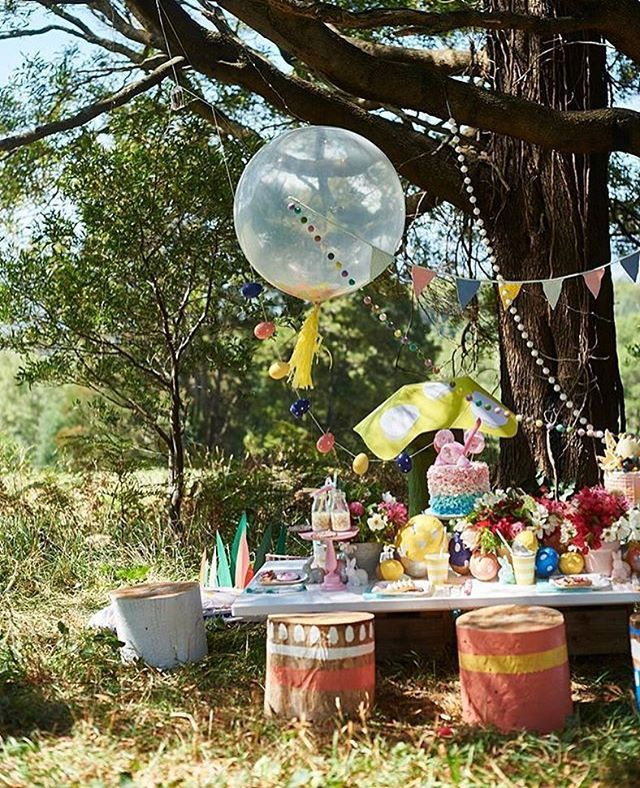 Bom dia! Inspiração linda para Páscoa ao ar livre! By @borntopartyshop @partywithlenzo  #kikidsparty