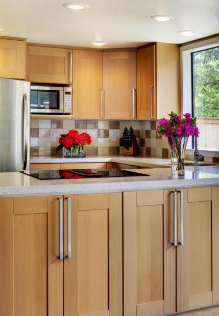 maple cabinets w white countertops | Budget kitchen ... on Kitchen Countertops With Maple Cabinets  id=87757