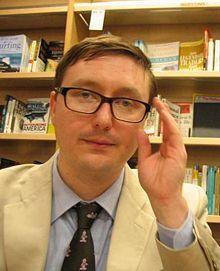 John Hodgman is smarter than you.