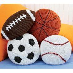 Ideas para topes de puertas: balones de baloncesto, fútbol, beisbol y rugby - Crochet rugby ball pattern (Google) doorstops idea