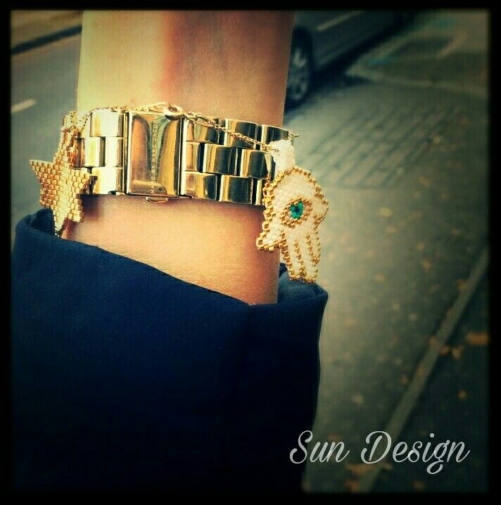 Miyuki bileklik yildiz ve fatma ananin eli #miyuki #hamsa #beads #pattern #peyote #londra #ingiltere #fashion #yildiz #star #boncuk #kum #stitch #stil #sokak #moda