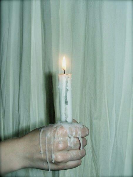 Этот мир лишен смысла, и тот, кто осознал это, обретает свободу.   Альбер Камю