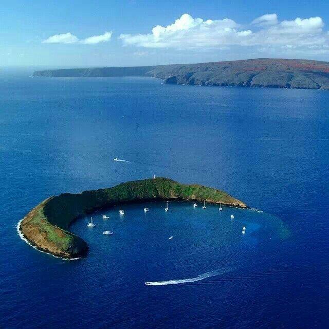 Molokini Crater - Maui,Hawaii.