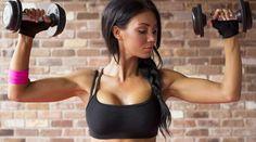 4 exercícios para os seios com efeito lifting