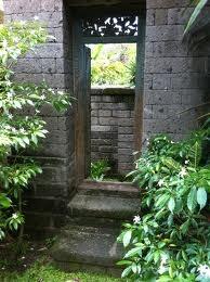 balinese garden decor