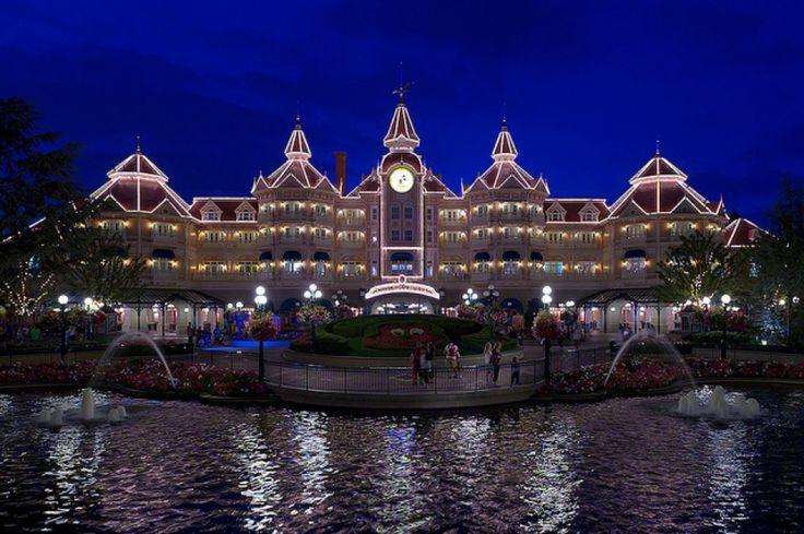 Disneyland Hotel. www.sejoursmagiques,fr