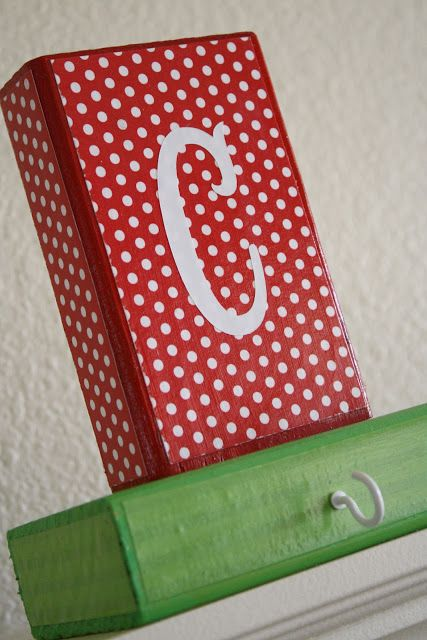 DIY stocking holders! Need to try this. August Make & Take {Stocking Holders}