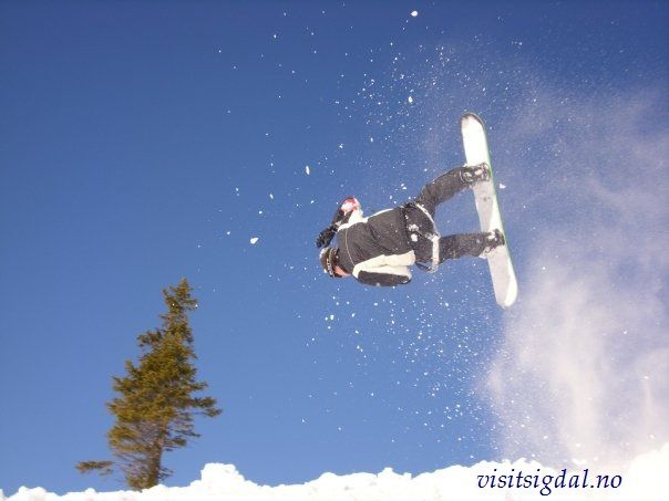 Snowboard in Eggedal Mountain, 2 hours from Oslo. Eggedalsfjellet, 2 timer fra Oslo. Visitsigdal.no
