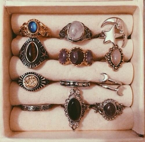 phoebe buffay rings