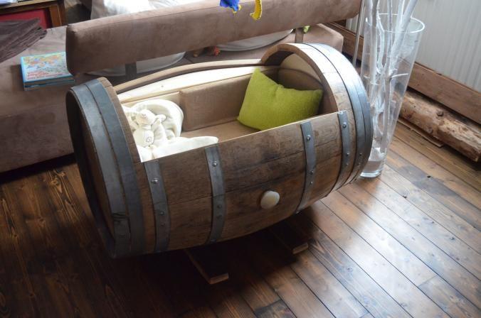 Baby-Wiege aus altem Weinfass - #OBI Selbstgemacht! Blog. Selbstbauanleitung für jedermann. #DIY