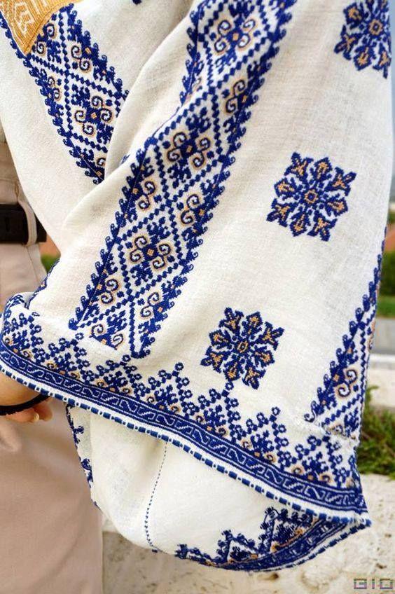 (5) Kot Vyacheslav - Фото з мережі. Румунія. #вишитасорочка #вишивка...