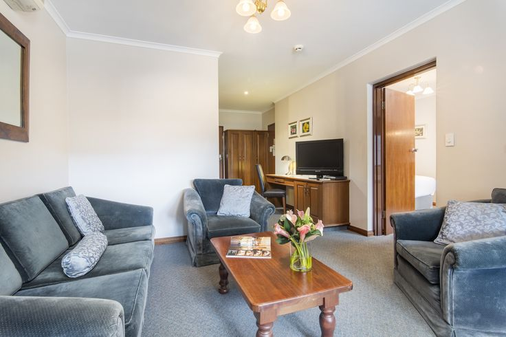 #loungeroom #adelaideinn #hotel #accomodation #northadelaide #conference #weddingvenue