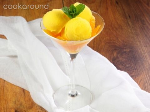 Gelato all'arancia   Cookaround  Video ricetta del gelato all'arancia, splendida messa in tavola di questo frutto delizioso e colorato, che risplende dei colori del sole e regala una pausa di freschezza e gusto in ogni momento della giornata