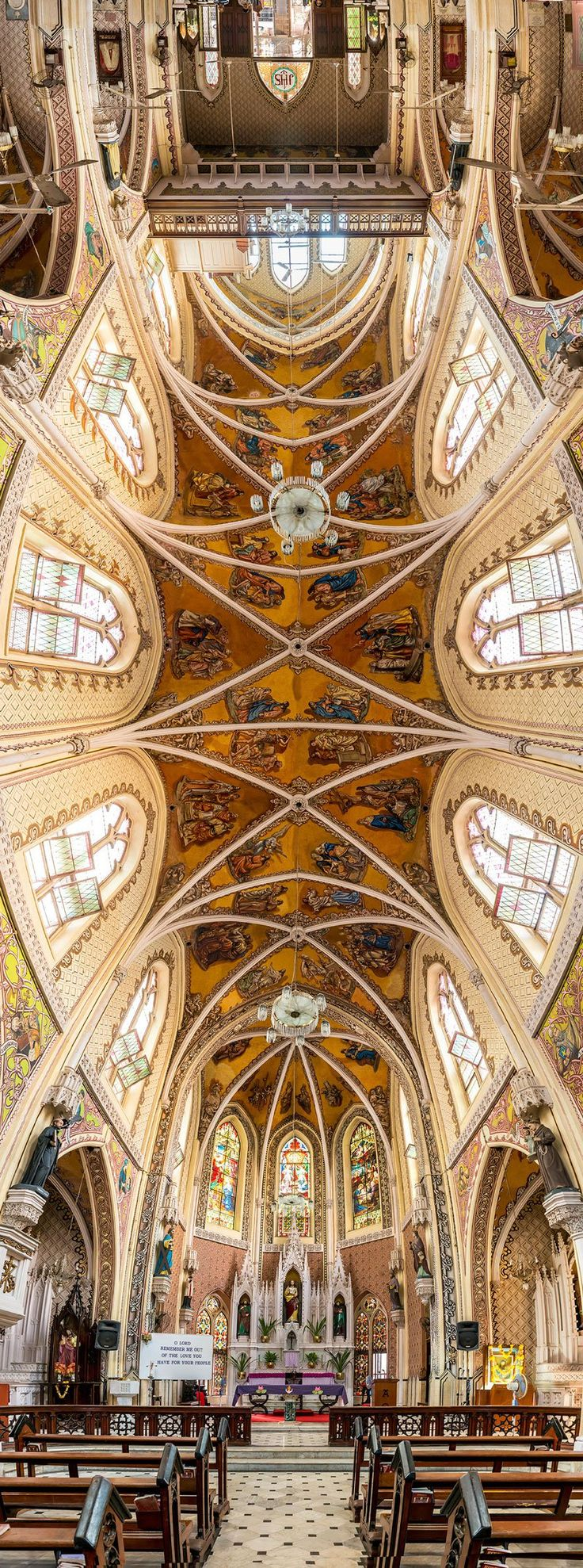 Amazing Vertical Panoramas of Church Ceilings Around the World.