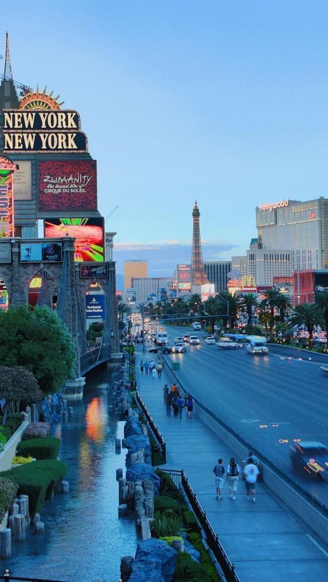 South Vegas Strip, Las Vegas, Nevada by Thomas Allmon