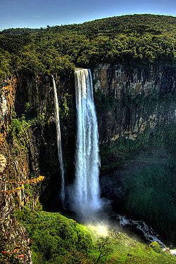 Salto São Francisco / Paraná-highest waterfall in the south of Brasil, the Salto San Francisco reaches a height equivalent to 196 meters tall