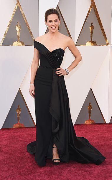 Oscars 2016: Red Carpet Style | Jennifer Garner