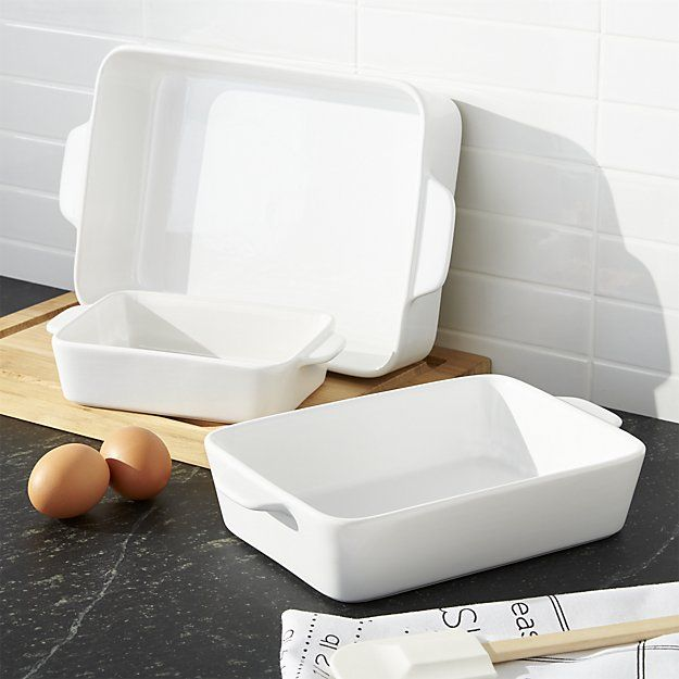 You'll turn to our clean, white baking dishes time and again for daily meals and potluck dinner parties. Nesting stoneware bakers transition easily from oven to table.