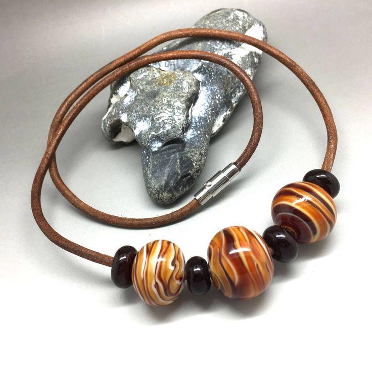 Ich freue mich, den jüngsten Neuzugang in meinem #etsy-Shop vorzustellen: Kette, Lederkette, Halskette, Halsschmuck, Glasschmuck, lampwork bead http://etsy.me/2zqw6zm #schmuck #kette #braun #magnetisch #glas #frauen #beige #gluck #rund