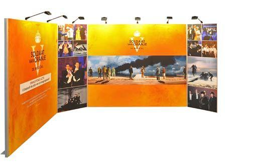 Soldaat van Oranje - De Musical  Om nog meer bekendheid te geven aan de musical op verschillende externe locaties produceerden verschillende opvallende beurswanden