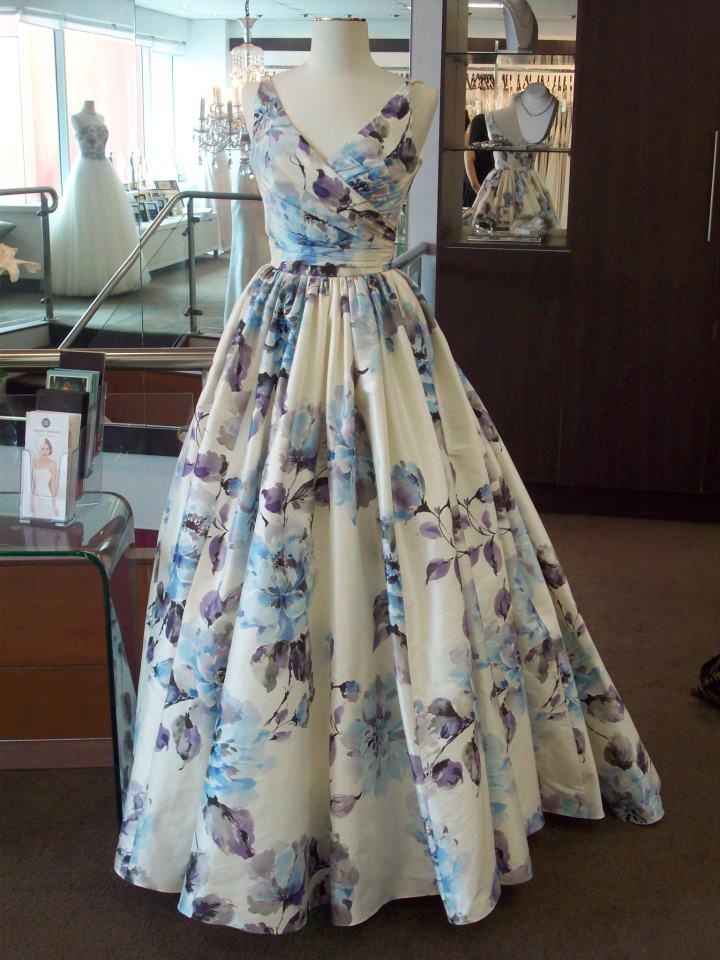 I just LOVE this floral wedding gown made by Australian designer Wendy Makin http://www.wendymakin.com/