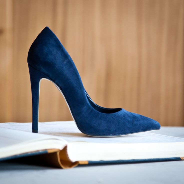 Blue suede must-have pumps! #followSANTE #shopSANTE