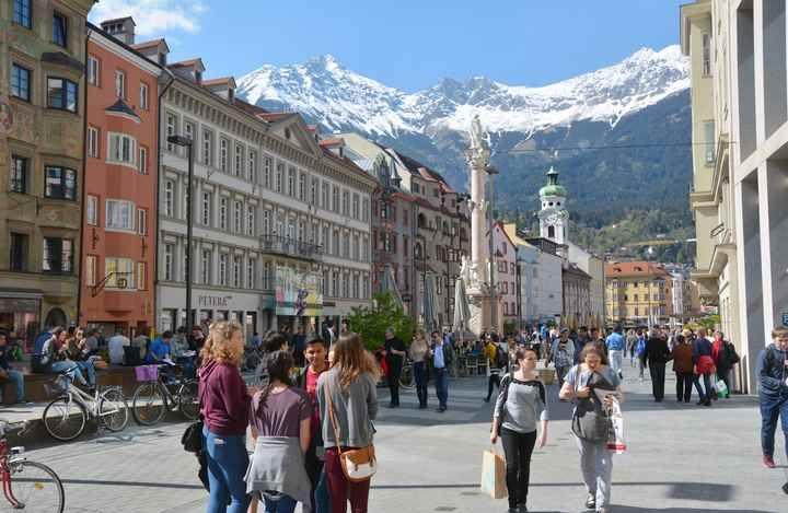 Innsbruck Altstadt Diese Sehenswurdigkeiten Innsbruck Lohnen