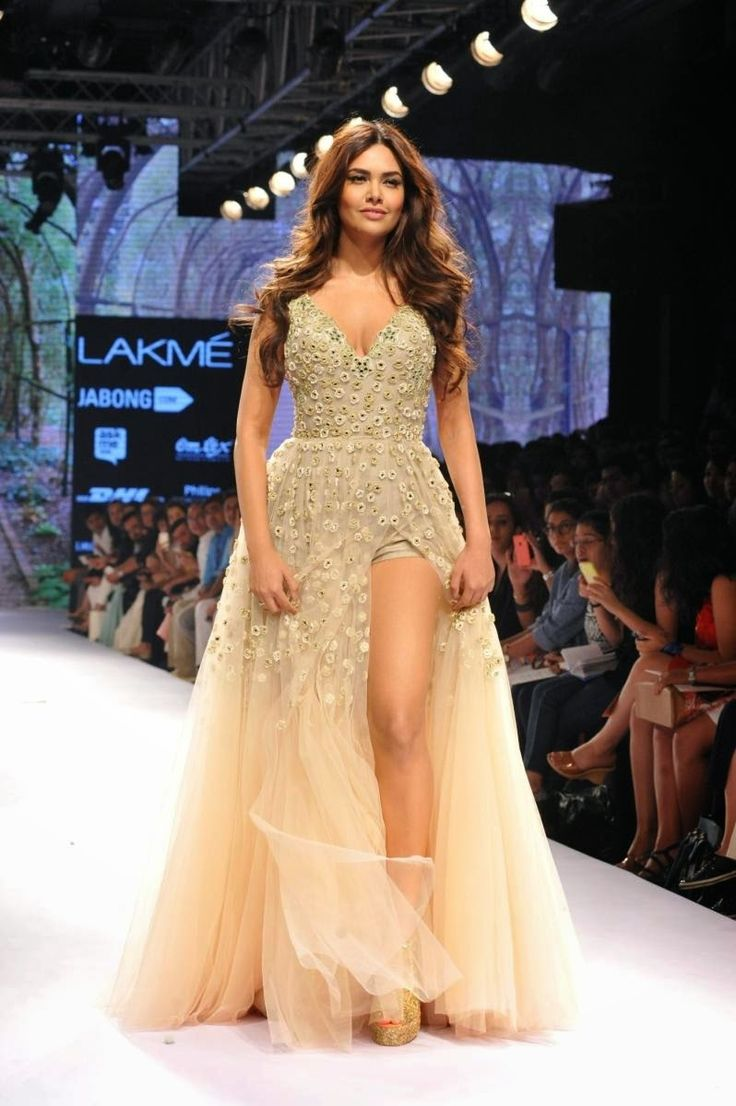 High Quality Bollywood Celebrity Pictures: Esha Gupta Super Sexy Legs and Cleavage Show As She Walks Ramp For Arpita Mehta At Lakme Fashion Week 2015 Day 4
